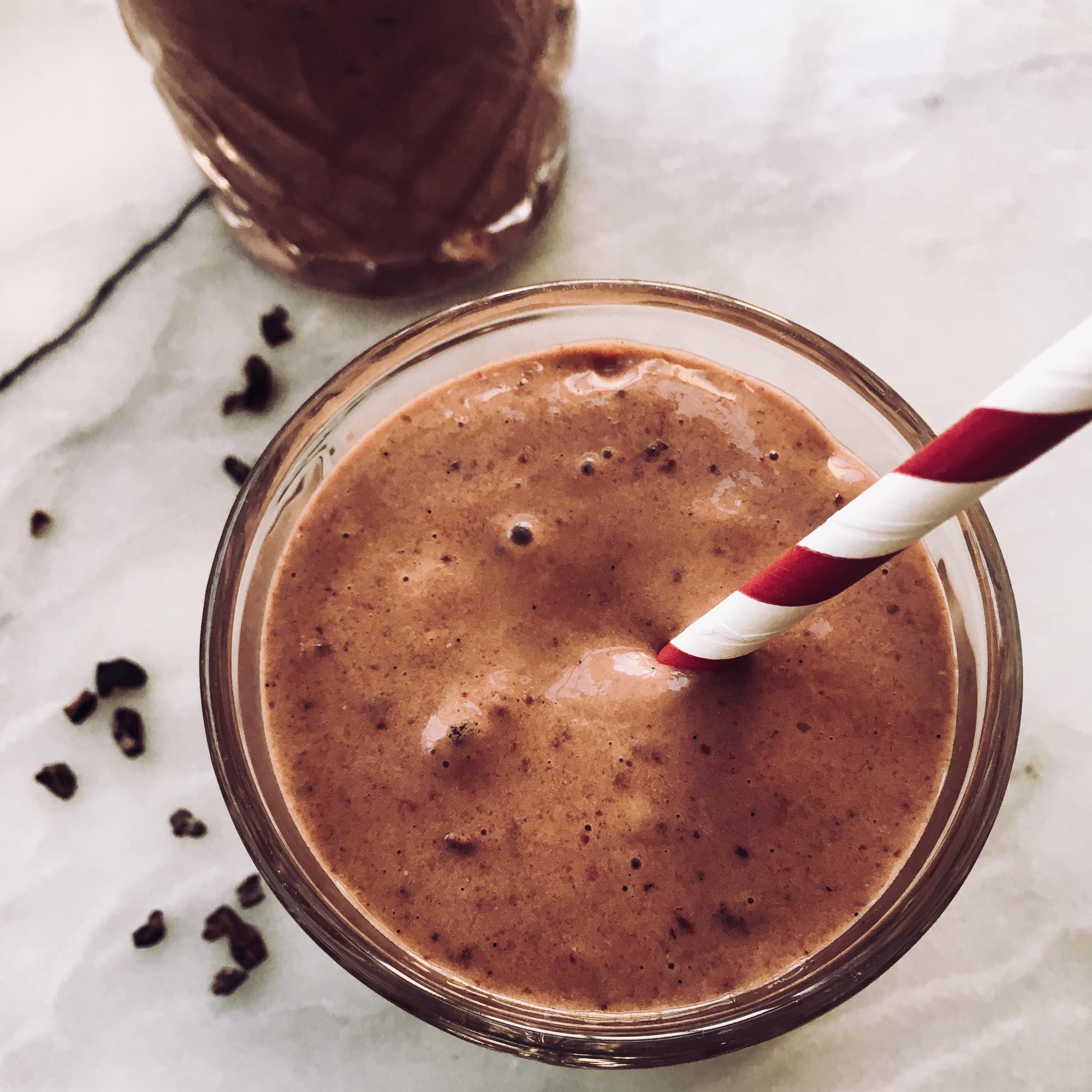 chocolate-shake-avocado-strawberries